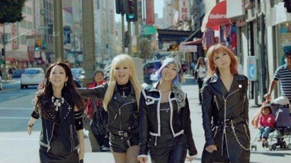 2NE1 come back home et Happy