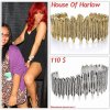 """# # Rihanna porte des bracelets """" House Of Harlow  """"  qui coûte 110 $ !  Remarque *   Avant chaque concert,  Rihanna organise un Meet & Greet pour rencontrer ses adorables fans. Pour celui de  Sunrise, La belle a eu la chance de recevoir un incroyable cadeau de la par d'un fan ; des boucles d'oreilles en Cristal de la célèbre marque Swarovski  ! D'ailleurs, Rihanna est une grande fan de cette marque de bijoux qui s'associe régulièrement avec les plus grands créateurs tels que : Gucci,  Prada, Versace ... La chanteuse, portait également : une petite robe noire, des escarpins Louboutin et de nombreux bijoux comme ses deux bracelets de la marque de Nicole Richie House Of Harlow."""