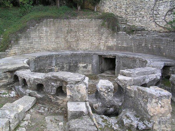 Nîmes (30)