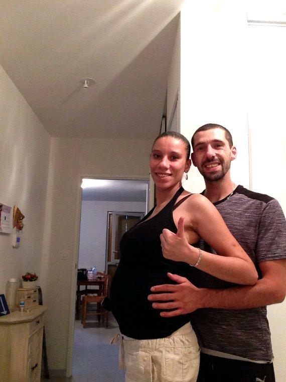 Moi et ma premiere grossesse  et son papa