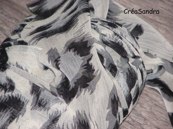 Une écharpe/foulard