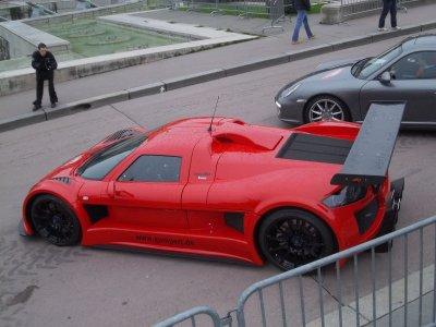 Gumpert et 599 GTO