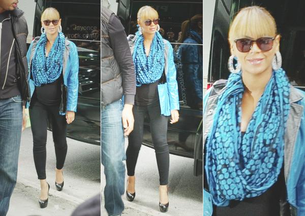 jayoncé (c) 23/10/11 : Beyoncé a été vu quittant le resto Buttermilk Channel avec sa soeur Solange. jayoncé (c)