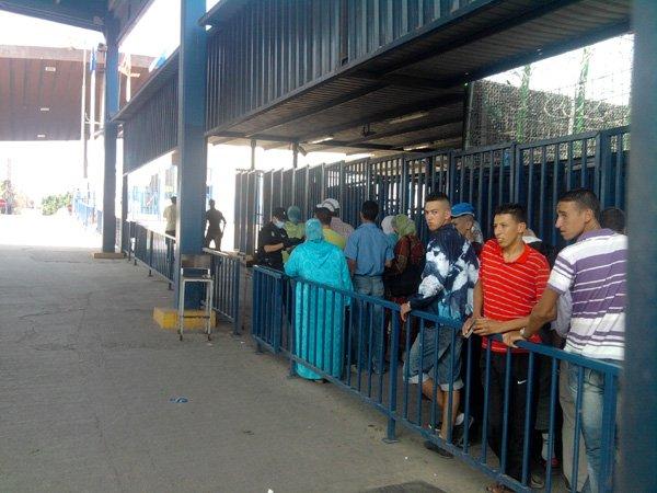 الشرطة الإسبانية بالمعبر الحدودي تخلد ذكرى مرور 514 سنة لاحتلال مليلية بمعاملات عنصرية تجاه المغاربة