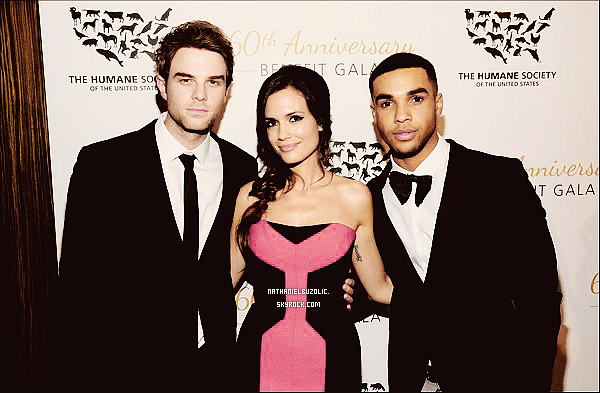 Flashback : Le 30 Mars 2014, Nathaniel était présent au soixantième anniversaire du gala de la société humaine des Etats-Unis à l'hôtel The Beverly Hilton à Beverly Hills (+) Photo Instagram. Retrouvez dès demain, l'épisode Pilot de Bloodlines sur les sites de streaming.