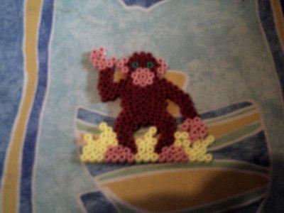 un singe en perle hama