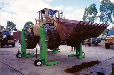 hydraulic truck lift