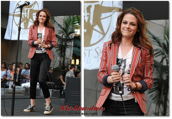 "Catégorie : ""Pretty Hours""  © Hot Topic : "" Kristen Stewart style everywhere, everyday with Kri-Stew-dress "" ©"