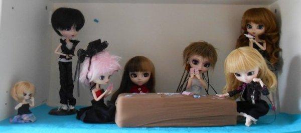 Pour le concours de Rainbow--dolls