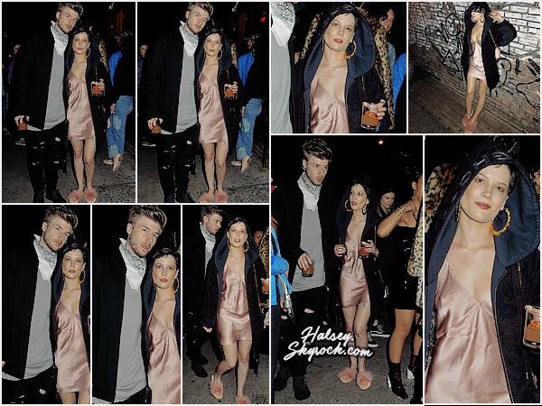 01/05/2016 • • Halsey a été vu avec son petit copain, Lido dans les rues de New York. Le couple a été vu en train de discuter avec des fans, je ne comprends pas la tenue d'Ash, flooooooop.