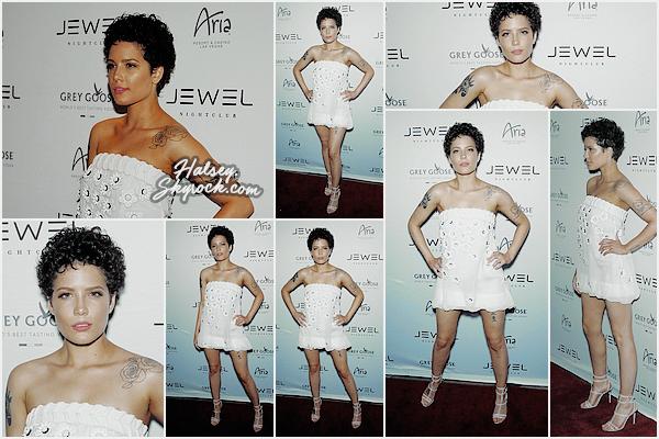 21/05/2016 • • Halsey était présente l'ouverture du Jewel Night-club a Las Vegas.  Ashley porte une mini-robe blanche très mignonne, j'aime bien son makeup, des avis ?