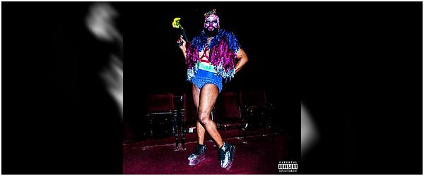 Audio • • Halsey a fait un featuring avec le rappeur Vic Mensa s'appelant FREE LOVE ! Une magnifique chanson qui parle de tolérance et d'acceptation d'autrui, cliquez sur l'image pour l'écouter !