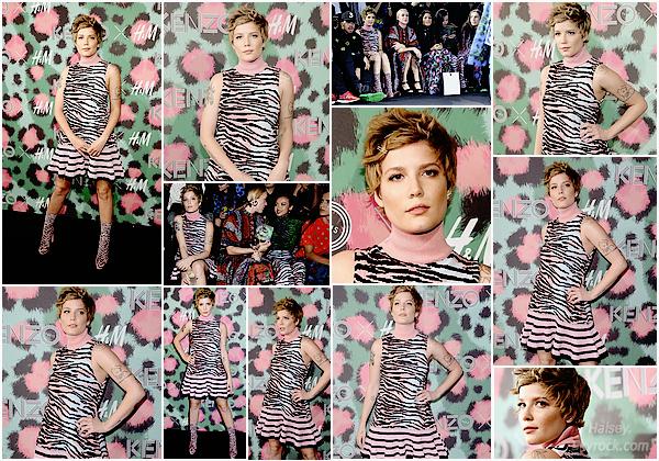 19/10/2016 • • Halsey s'est rendu à l'événement/ défilé KENZO x H&M, à New York City. J'ai détesté faire ce montage, la tenue (assortie au fond...) est hideuse c'est un énorme flop pour Ashley ! Seul point positif : le makeup.