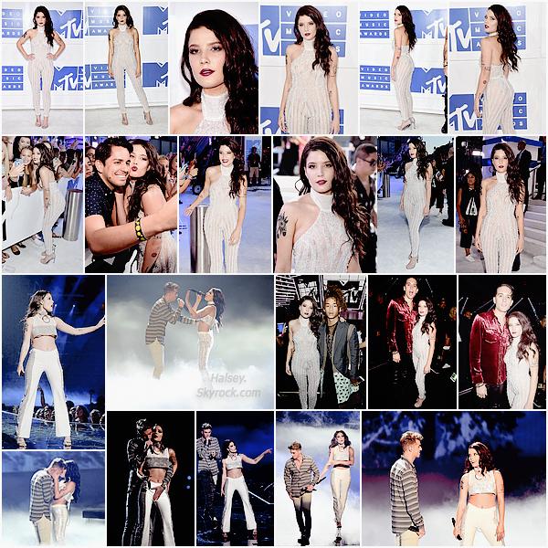 28/08/2016 • • Halsey a assisté à la cérémonie des MTV Video Music Awards a New York. Ash enflamme le tapis rouge et la scène du Madison Square Garden pour sa performance de Closer, cliquez en dessous pour voir la préstation.