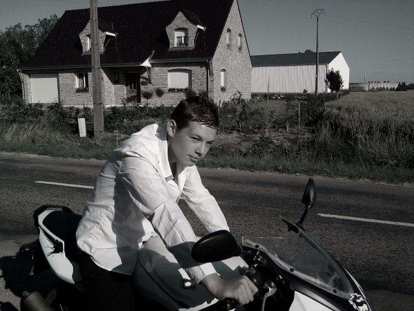 moi sur ma moto ;)