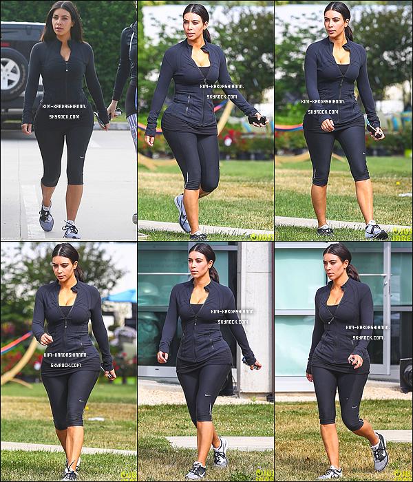 Le 1 juillet, Kim à été vue au Tracy Anderson Gym dans les Hamptons, New York.