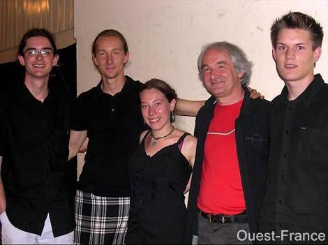 J'en profite pour revenir sur les differents musiciens  qui ont accompagné Gérard ces dernières années...