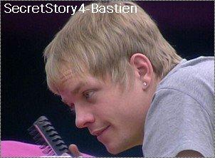 Bastien pense que Maxime le voit comme un adversaire Même s'ils sont de très bons amis dans la maison des secrets, Bastien et Maxime sont toujours en concurrence. Le compagnon de Stéphanie ne se sent pas à la hauteur du mentaliste.