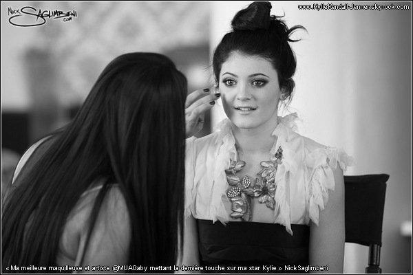 . ________TWITTER - Photos de Kylie dans les coulisses de son shoot pour Nick Saglimbeni   .