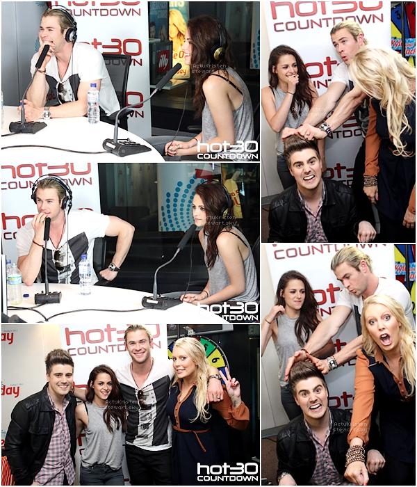 Le 20.06.2012 : Miss Stewart et Chris Hemsworth avaient été invités à participer à l'émission de radio australienne Hot30Countdown. Elle est elle même dans le style vestimentaire, en bref comme on l'aime !