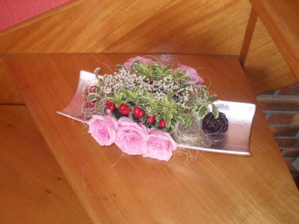 que faire avec un gros bouquet de roses art floral. Black Bedroom Furniture Sets. Home Design Ideas