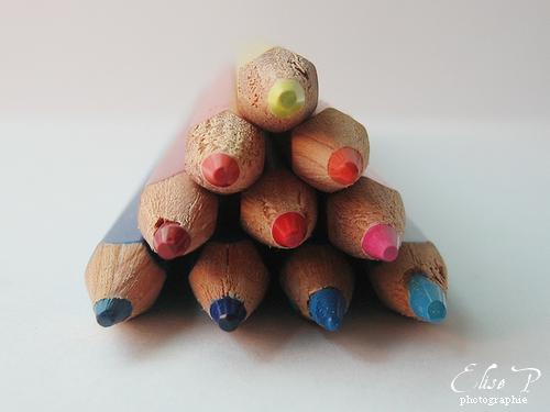 . . Pyramide de couleurs . .