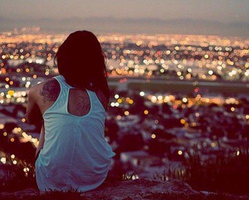 """""""Il n'y a pas de rose sans épines. Mais il y a beaucoup d'épines sans roses."""" d'Arthur Schopenhauer"""