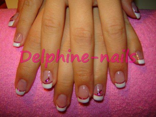 French blanc + lignes roses et perles roses