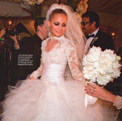 Nicole's Wedding : Nicole s'est mariée le 11/12/10 avec Joel , je suis très fière d'elle et je lui souhaite tout le bonheur du monde <3