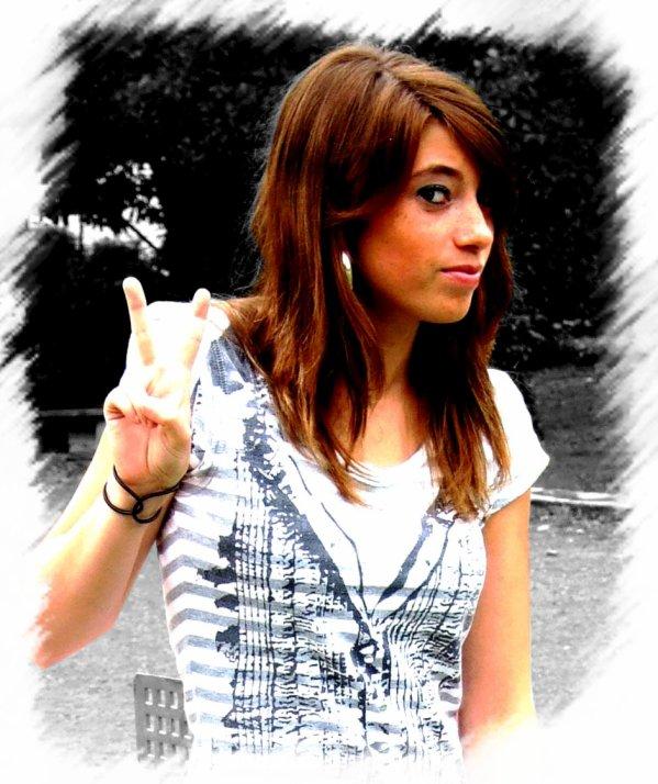 . LydiAa . 16 ans . Italiene . Moselle (( 57 )) . 3 Février . Célib . St Exupéry .