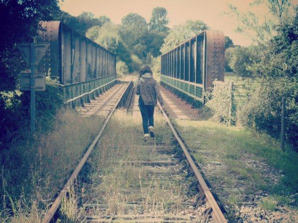 « J'aurais voulus voyager à travers le temps, mais on ne peut vivre que dans le présent. » Nc