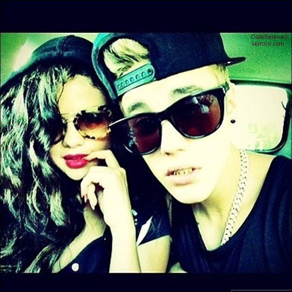 Photos personnelles de Selena avec des amies.