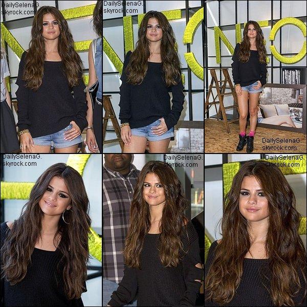 09/07/10 : Selena a assister à la partie de l'étiquette NEO Adidas a Berlin.