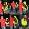 10/07/13 : Selena arrivant a l'aéroport de Los Angeles avec son beau-père.