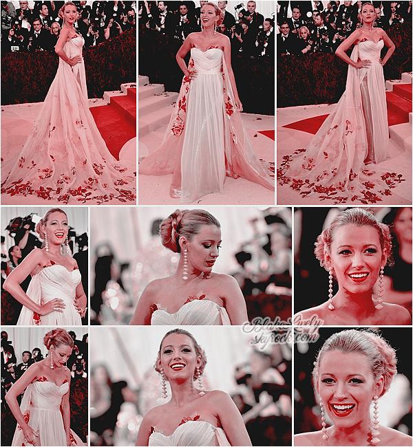 . 02/05/16 : Blake était au « Met Gala : Manus x Machina: Fashion in an Age of Technology » à New-York : Miss Lively était absolument magnifique dans sa robe longue à motifs Burberry ! Respecte t-elle le thème de la soirée selon vous? Top en tout cas ♥ .