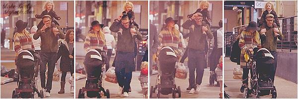 . 02/03/17 : La famille Reynolds a été vue se promenant dans les rues de la ville de New-York  dans la soirée (US) Je m'excuse pour la qualité déplorable des photos mais rare sont les candids de Blake alors on ne va pas s'en priver! J'aime beaucoup son manteau :3