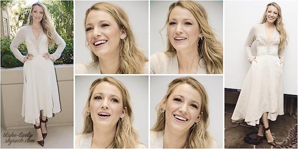 . 10/10/17 : Blake ▬ était à la conférence de presse de son prochain film « All I See Is You  » à Los Angeles (LA) : Début de promotion pour la belle Blake qui fait une pause tournage pour promouvoir son film. Elle portait une robe fourreau que je n'aime pas ... Flop!