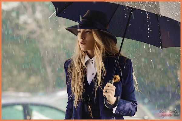 """. • Découvrez un nouveau still de la belle Blake pour son prochain film """"A Simple Favor"""" ▬ Sortie FR : 26 sept. 18 :"""