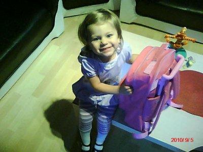 ma fille avant d allé a l ecole :)