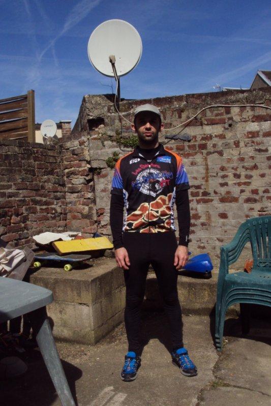 un monocycliste chez les Gaziers