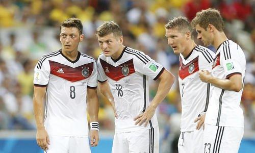✗OS n°9 ~ Bastian Schweinsteiger [ Joueur de Foot ]