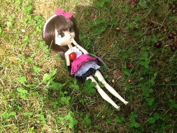 suite de Séance photo d'Emy dans le Jardin *3*