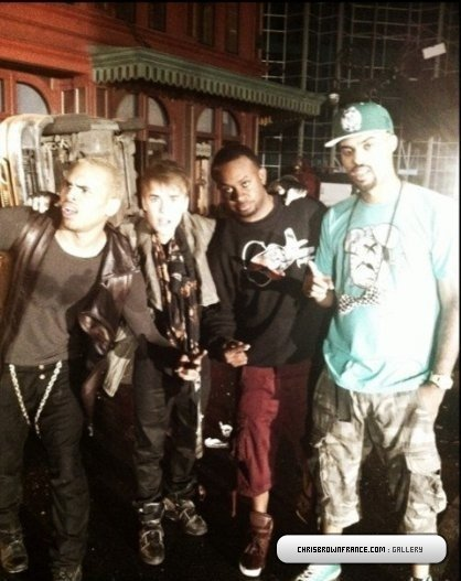 Sur le tournage de « Next to You » avec Chris Brown et Justin Bieber