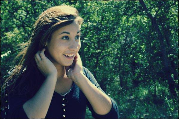 Tu resteras toujours dans mon coeur même si tu l'as détruit. ♥