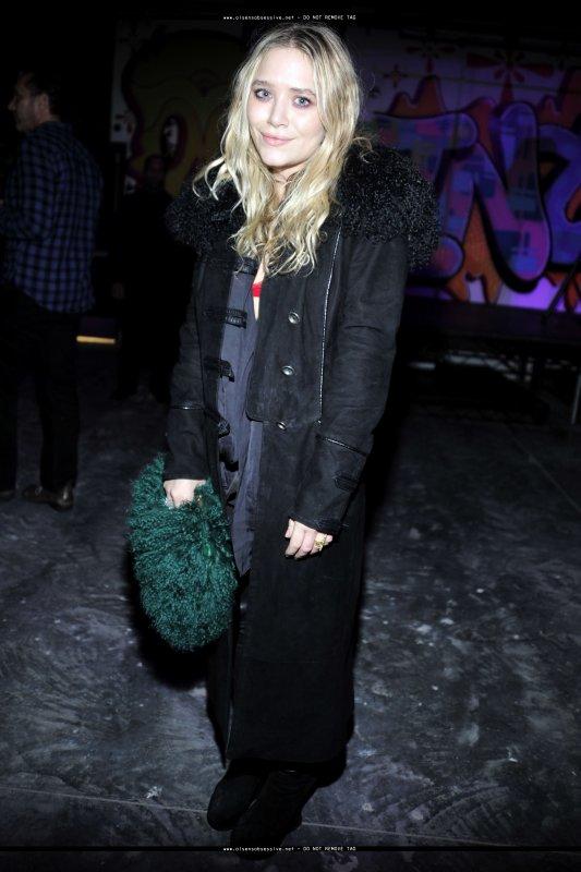 kkkkkkkkkkkkkkkkkkkkkkkkkkkkkkkkkkkkkkkkkkkkkkkkkkkkkkkkkkkkkkkkkkkkkkkkkkkkkkkkkkkkkkkkkkkkkkkkkkkkkkkkkkkkkkkk09 FÉVRIER 2010 : Mary-Kate à la fête célébrant les 40 ans du magasine Interview à l'hôtel Hudson à New York   kkkkkkkkJ'aime bien son sourire sur cette photo ! :)   kkkkkkkkkkkkkkkkkkkkkkkkkkkkkkkkkkkkkkkkkkkkkkkkkkkkkkkkkkkkkkkkkkkkkkkkkkkkkkkkkkkkkkkkkkkkkkkkkkkkkkkkkkkkkkkk