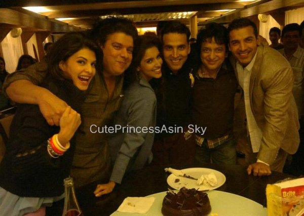 Asin On The Set Of Housefull 2