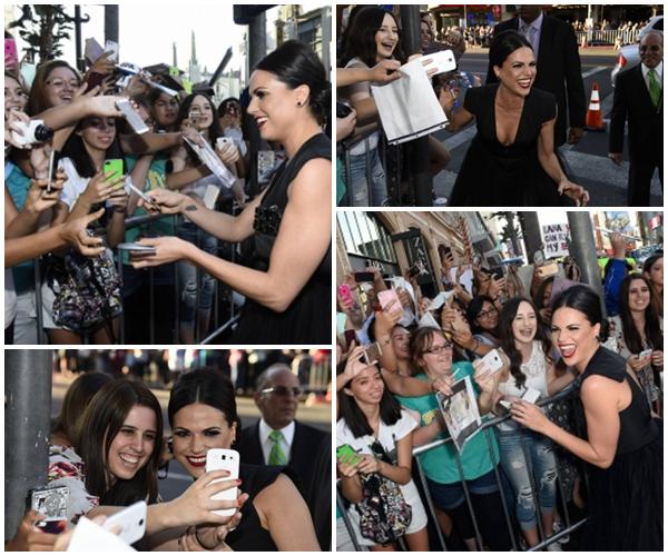 Voici plusieurs photos de Lana sur le red carpet lors de la première de Once Upon a Time **