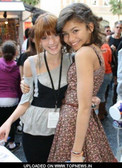 Shake it up :les deux actrice de la serie.