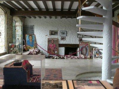 Intérieur de la maison américaine du moulin de Claude françois à ...