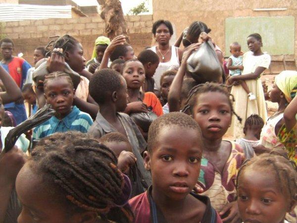 VIVE LE NOUVEAU CONCEPTE  PECMA (prise en charge des enfants dans leur milieu d'appartenance)